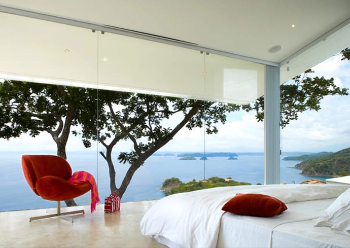 glass-paneled-walls-modern-house