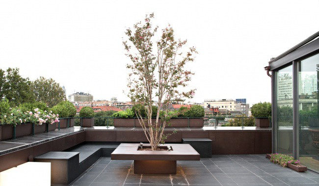 5 beautiful private terraces for Garden designer milano