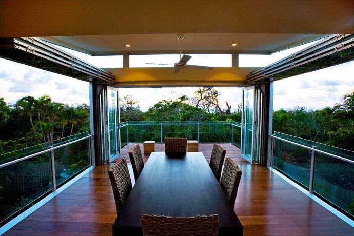 Long Balcony Design: Marcus Beach House In Australia By Robinson Architects