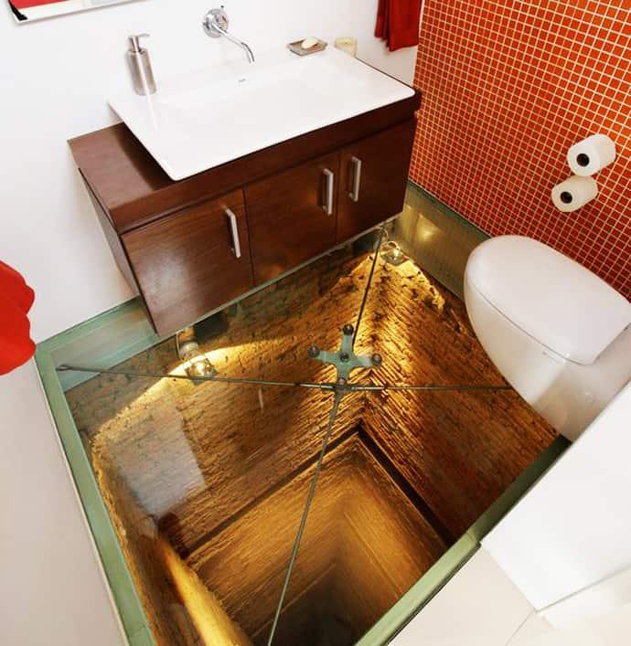 Do You Dare Bathroom With Transparent Glass Floor