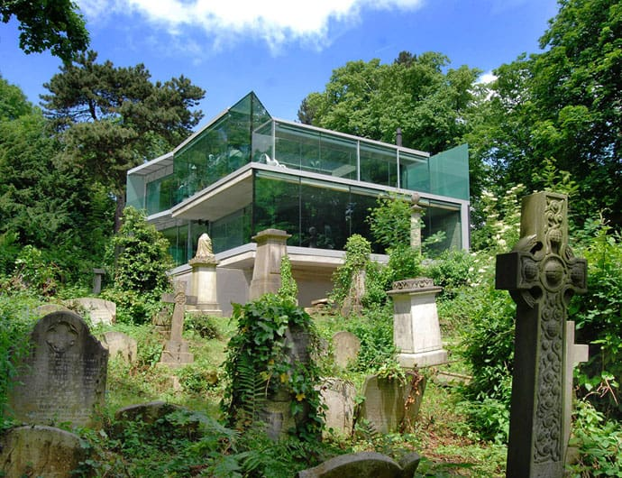 A Modern House Next To An Old Cemetery By Eldrige Smerin Architects London