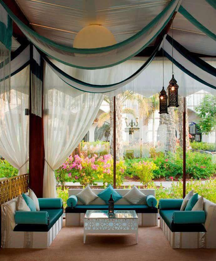 20 Outdoor Cozy Patios Perfect for Your Garden on Cozy Patio Ideas id=15802