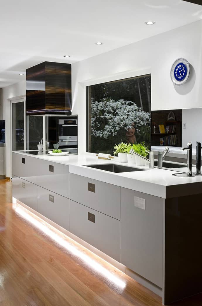 modern kitchen in australia by darren james. Black Bedroom Furniture Sets. Home Design Ideas