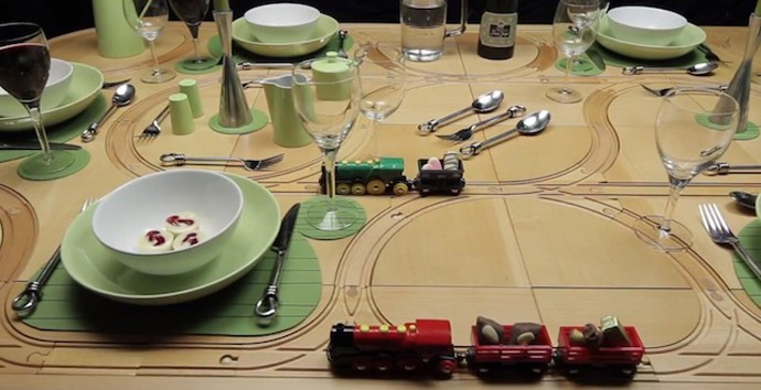 Creative 2-In-1- Wooden Train Set Dining TrackTile Table