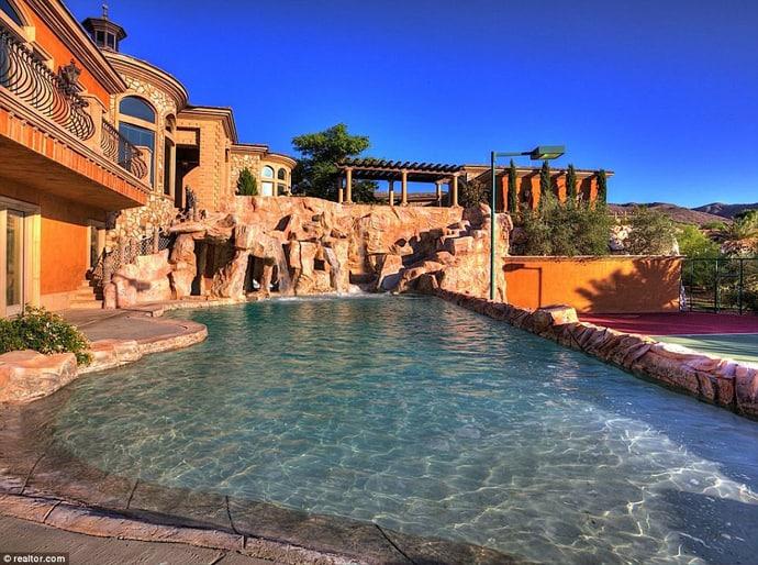 water park mansion in boulder city nevada usa. Black Bedroom Furniture Sets. Home Design Ideas