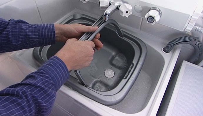 Cleaning Plastic Kitchen Sink
