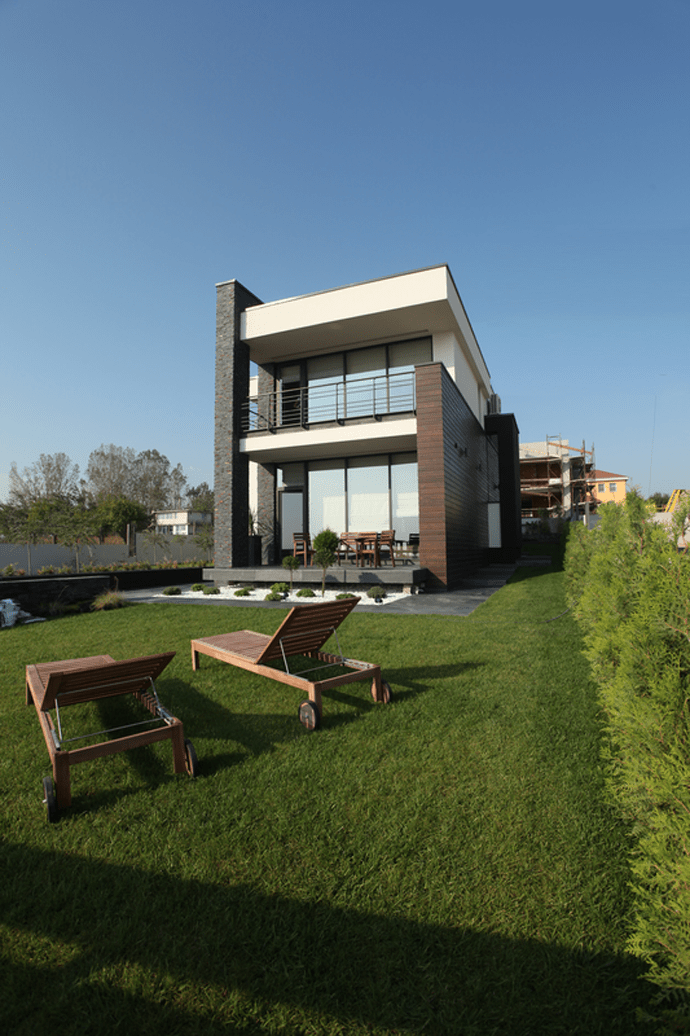 Contemporary House Design With Exterior Ceramic Panels And: Luxurious Contemporary Houses In Romania, Europe