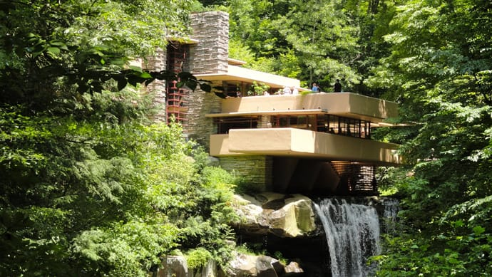 Fallingwater house by frank lloyd wright video for Frank lloyd wright houses