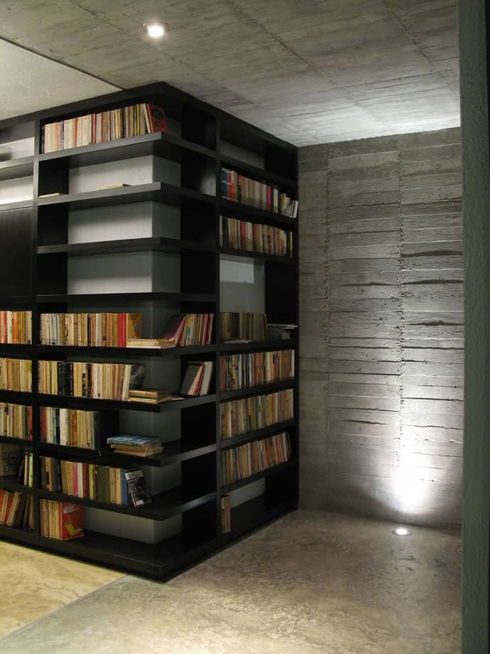 Best Way To Store Books On Shelves
