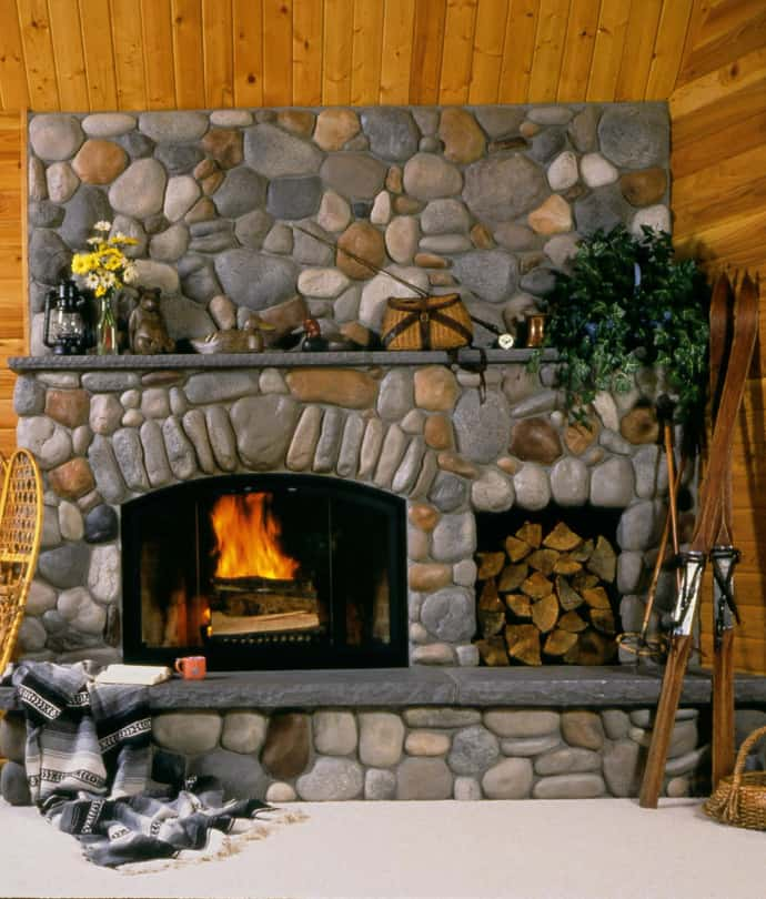 25 stone fireplace ideas for a cozy nature inspired home for Building an indoor fireplace