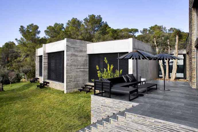 A house like a stone fortress by architect marta garcia orte for Fortress house
