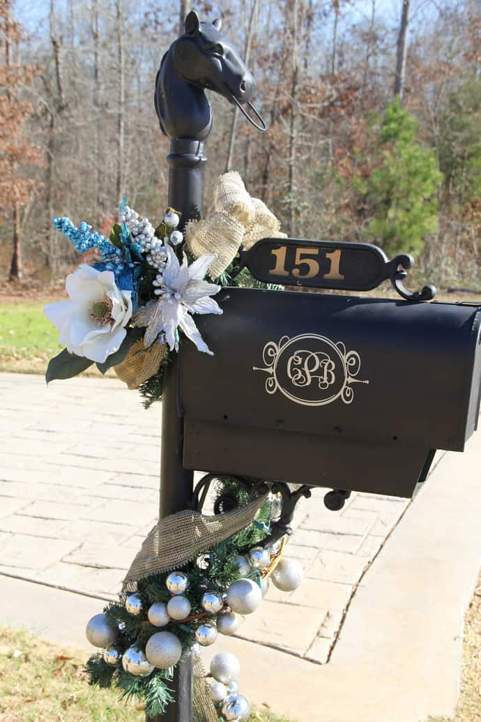 Holiday Mailbox CHRISTMAS-020