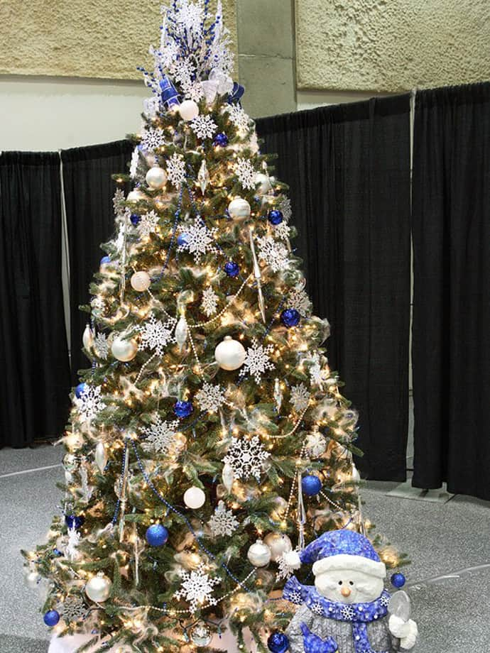 comments - How To Decorate A Beautiful Christmas Tree