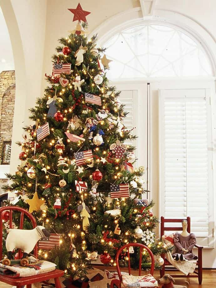 25 beautiful christmas tree decorating ideas Large decorated christmas trees