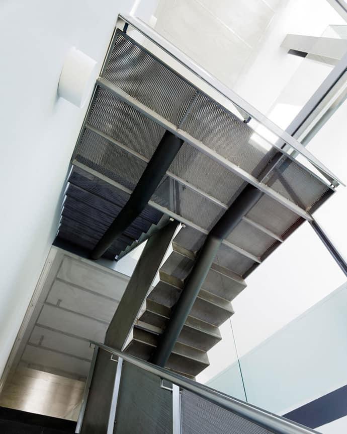 Flip Glass House-designrulz-010