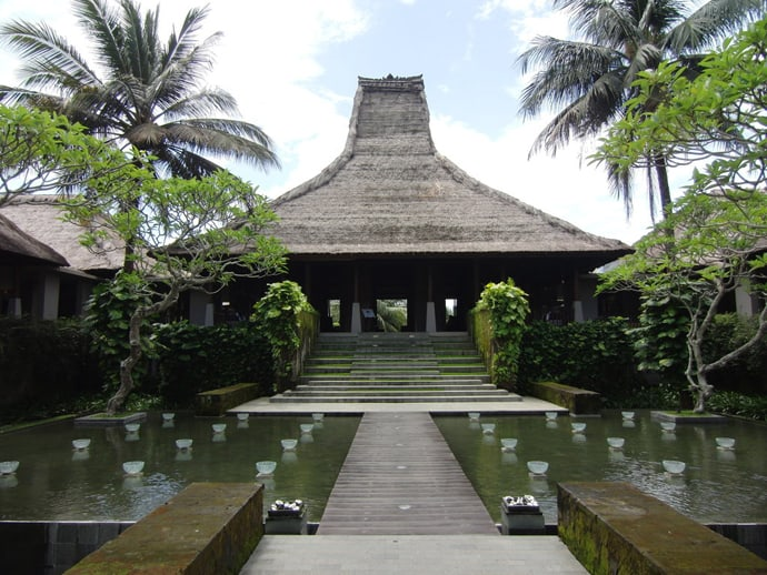 Luxurious holidays at maya ubud resort spa bali for Design boutique hotel ubud