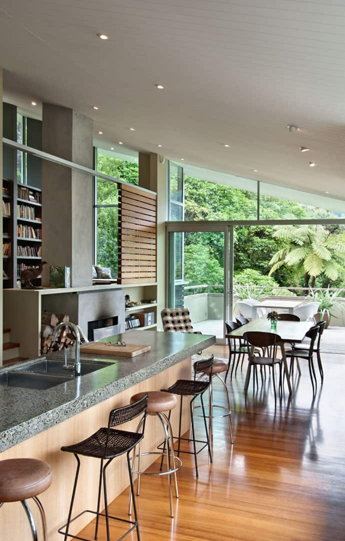 Fabulous isolated family holiday house in new zealand for Holiday home designs new zealand