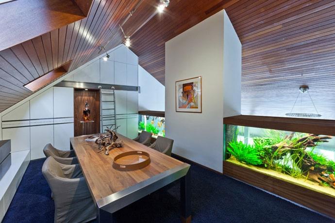 Villa-with-Aquarium-designrulz-012