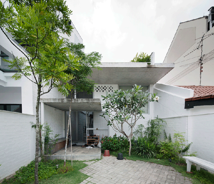 Beatiful House With Central Open Air Courtyard By Linghao