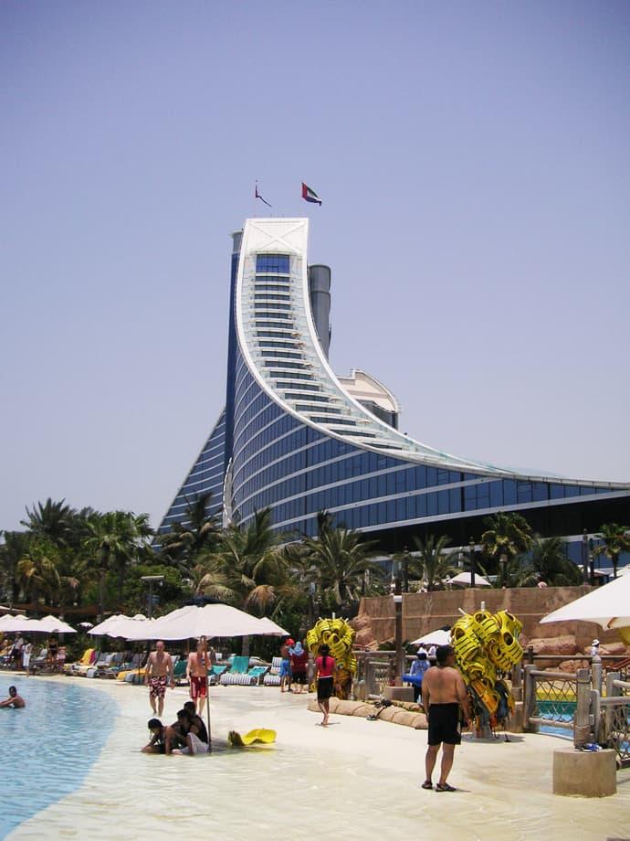 Jumeirah Beach Hotel designrulz (3)