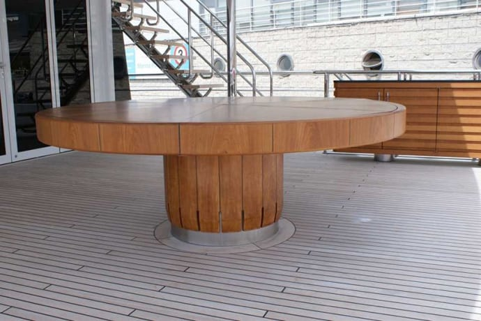 Fletcher Capstan Table designrulz (3)
