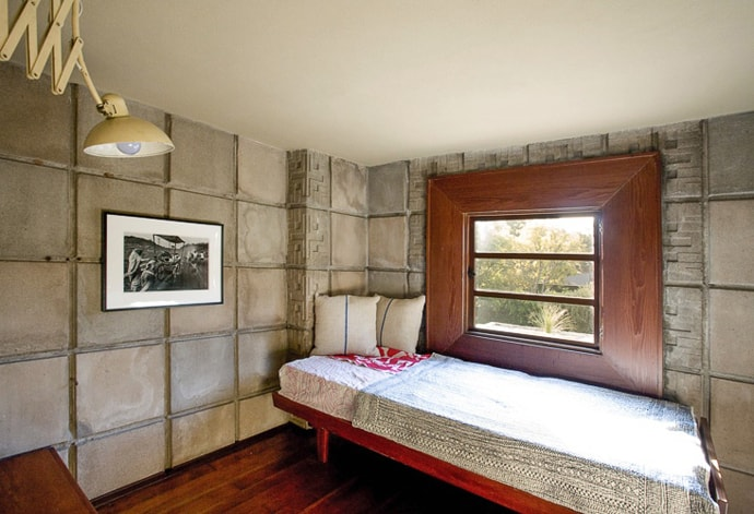 Frank-Lloyd-Wright-House-designrulz (10)