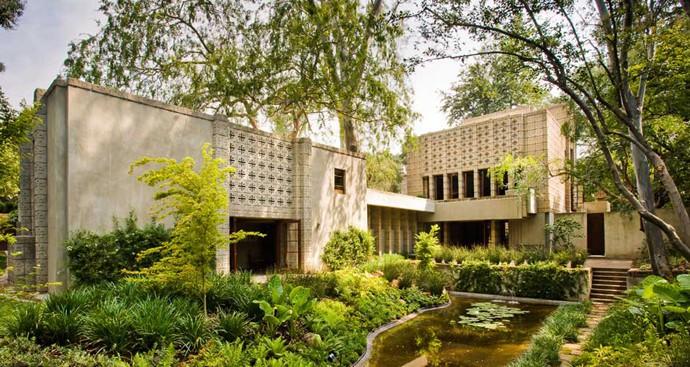 Frank-Lloyd-Wright-House-designrulz (11)