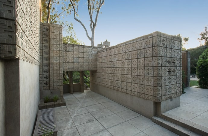 Frank-Lloyd-Wright-House-designrulz (5)