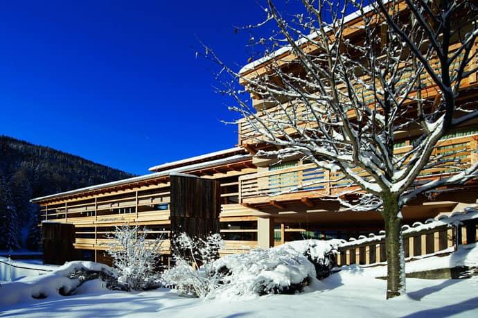 Logacio Mountain Residence-designrulz-007