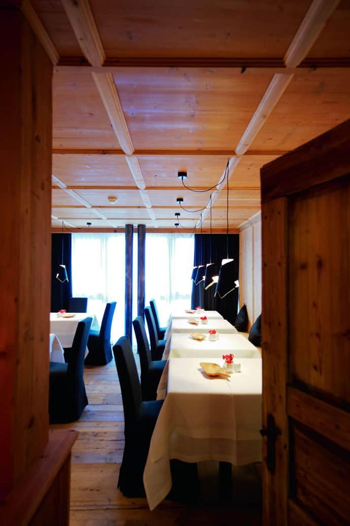Logacio Mountain Residence-designrulz-016