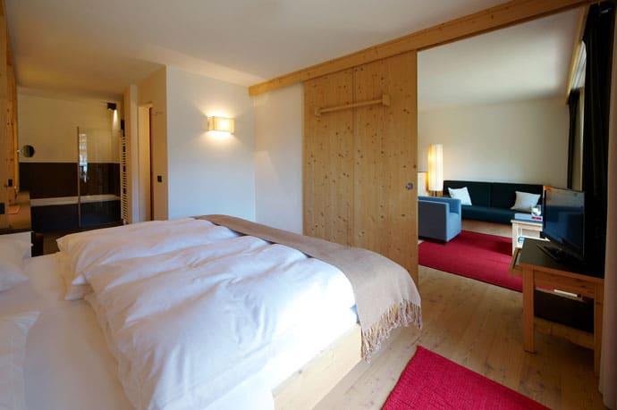 Logacio Mountain Residence-designrulz-048
