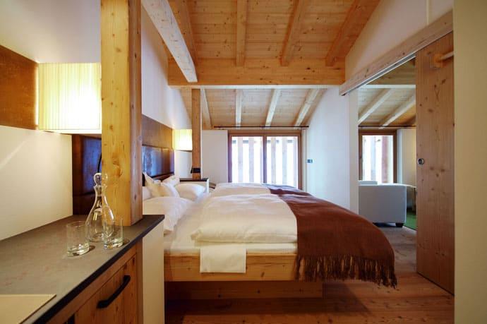Logacio Mountain Residence-designrulz-049
