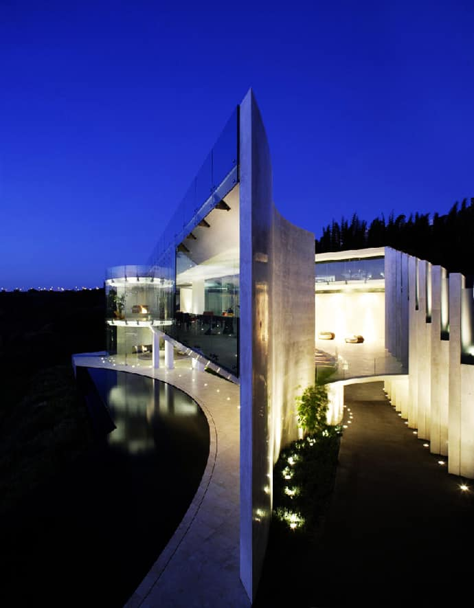 Luxury modern razor residence by wallace e cunningham for World s most modern house