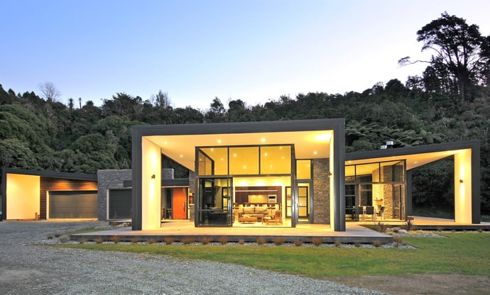 Glass Walls and Clever Energy-Reducing Ideas: Dulieu Residence in ...