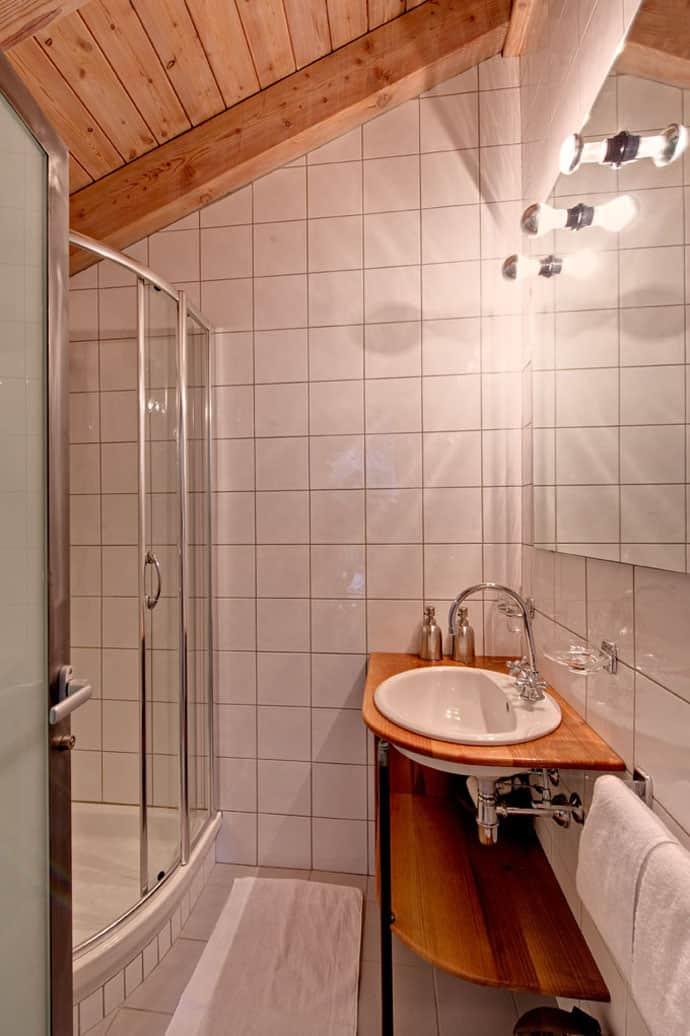 Heinz-Julen-Penthouse-Chalet_designrulz (7)