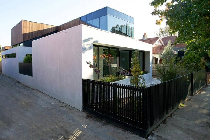 """house-designrulz-002"""" height = """"460"""" width = """" 690 """"srcset ="""" https://cdn.designrulz.com/wp-content/uploads/2013/04/house-designrulz-0025.jpg 690w, https://cdn.designrulz.com/wp-content/uploads/ 2013/04 / house-designrulz-0025-359x239.jpg 359w """"size ="""" (max-width: 690px) 100vw, 690px """"/> </source></source></picture><picture class="""