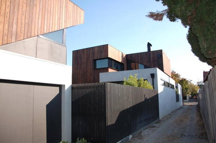 """house-designrulz-004"""" height = """"459"""" width = """"690"""" srcset = """"https://cdn.designrulz.com/wp-content/uploads/2013/04/ house-designrulz-0045.jpg 690w, https://cdn.designrulz.com/wp-content/uploads/2013/04/house-designrulz-0045-359x239.jpg 359w """"size ="""" (max-width: 690px) 100vw, 690px """"/> </source></source></picture><picture class="""