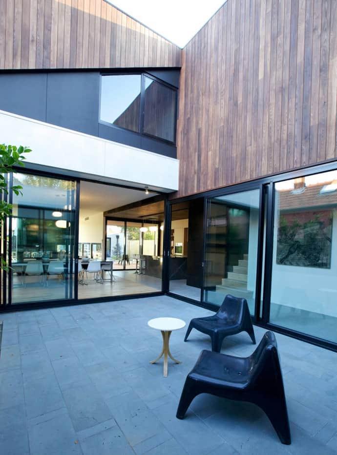 "house-designrulz-007"" height = ""932"" width = ""690"" srcset = ""https: // cdn.designrulz.com/wp-content/uploads/2013/04/house-designrulz-0076.jpg 690w, https://cdn.designrulz.com/wp-content/uploads/2013/04/house-designrulz-0076 -177x239.jpg 177w, https://cdn.designrulz.com/wp-content/uploads/2013/04/house-designrulz-0076-359x485.jpg 359w, https://cdn.designrulz.com/wp-content /uploads/2013/04/house-designrulz-0076-374x505.jpg 374w ""size ="" (max-width: 690px) 100vw, 690px ""/> </source></source></picture><picture class="