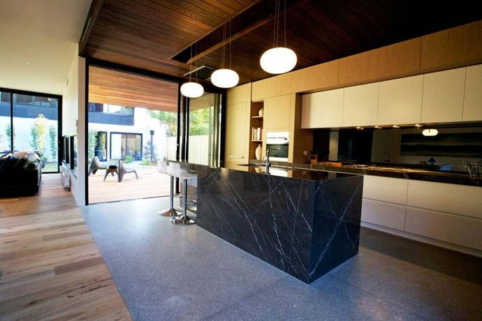 """house-designrulz-013"""" height = """"460"""" width = """" 690 """"srcset ="""" https://cdn.designrulz.com/wp-content/uploads/2013/04/house-designrulz-0135.jpg 690w, https://cdn.designrulz.com/wp-content/uploads/ 2013/04 / house-designrulz-0135-359x239.jpg 359w """"size ="""" (max-width: 690px) 100vw, 690px """"/> </source></source></picture><picture class="""