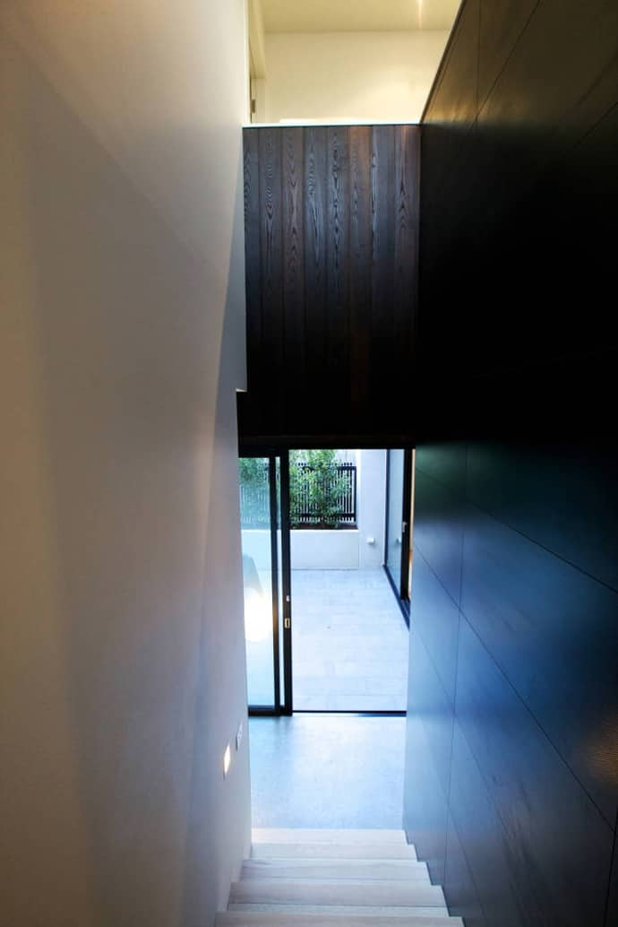 "house-designrulz-016"" height = ""1034"" width = ""690"" srcset = ""https://cdn.designrulz.com/wp-content/uploads/2013/04/house-designrulz-0164.jpg 690w, https://cdn.designrulz.com/wp-content/ tải lên / 2013/04 / house-designrulz-0164-159x239.jpg 159w, https://cdn.designrulz.com/wp-content/uploads/2013/04/house-designrulz-0164-324x485.jpg 324w, https: //cdn.designrulz.com/wp-content/uploads/2013/04/house-designrulz-0164-337x505.jpg 337w ""size ="" (max-width: 690px) 100vw, 690px ""/> </source></source></picture><picture class="