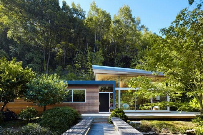 """Residence-designrulz-015 """"height ="""" 460 """"width ="""" 690 """"srcset ="""" https://cdn.designrulz.com/wp-content/uploads/2013/04/residence-designrulz-015.jpg 690w, https://cdn.designrulz.com/wp-content/uploads/2013/04/residence-designrulz-015-359x239.jpg 359w """"size ="""" (max-width: 690px) 100vw, 690px """"/> [Năm19699018]</pre> <p></p> <div> <p><span>Không gian phòng khách là một trong những nơi quan trọng nhất trong căn nhà của bạn. Khu vực này bạn cần phải bố trí các mẫu nội thất sao cho hợp lý. Nếu bạn sở hữu những mẫu <strong>bàn ghế sofa thanh lý</strong> đẹp tại khu vực này thì chắc chắn phòng khách của bạn sẽ để lại ấn tượng với khách khi tới nhà bạn.</span></p> <div id="""