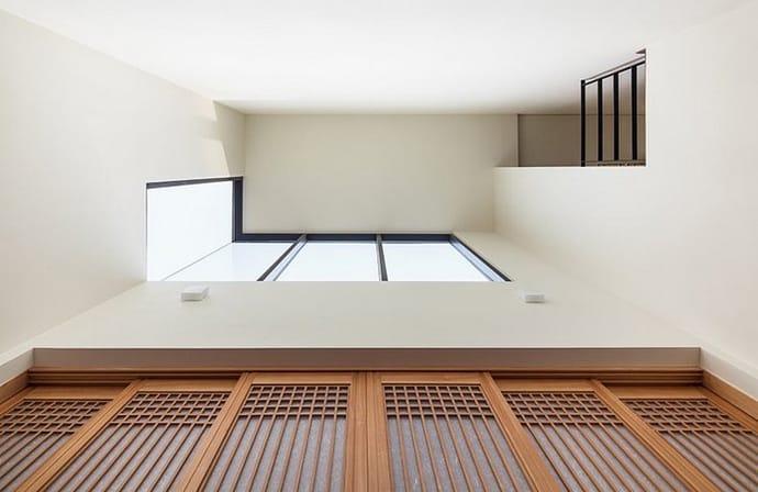 Modern countryside residence in south korea by polymur for Modern korean living room