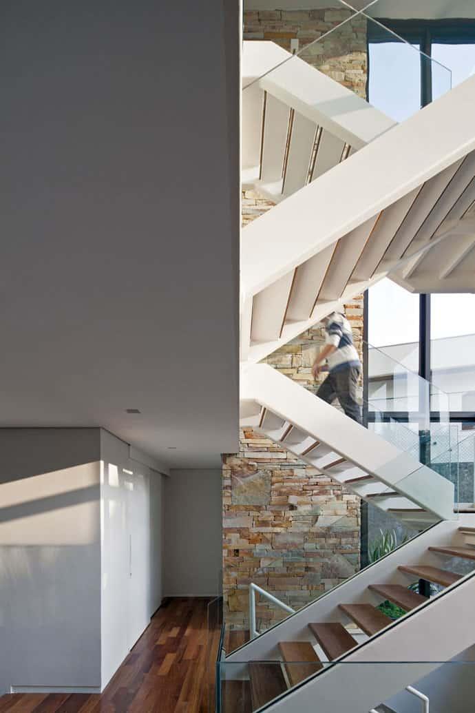AM House-designrulz-020