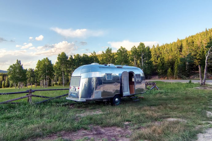 Airstream-Flying-Cloud-Travel-Trailer-designrulz (10)