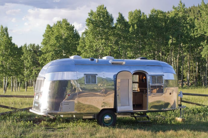 Airstream-Flying-Cloud-Travel-Trailer-designrulz (11)