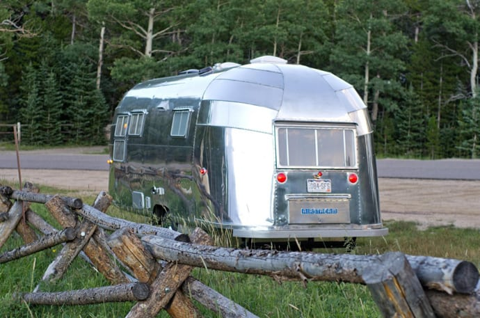 Airstream-Flying-Cloud-Travel-Trailer-designrulz (14)