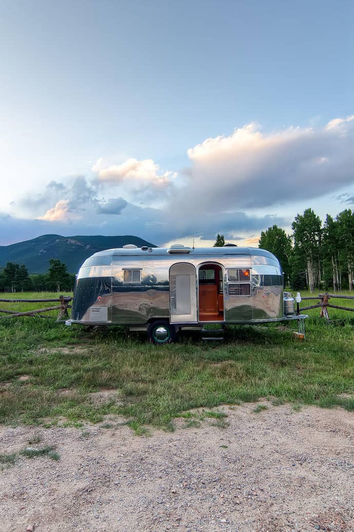 Airstream-Flying-Cloud-Travel-Trailer-designrulz (18)