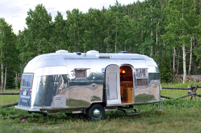 Airstream-Flying-Cloud-Travel-Trailer-designrulz (19)