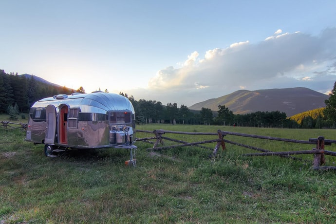 Airstream-Flying-Cloud-Travel-Trailer-designrulz (20)