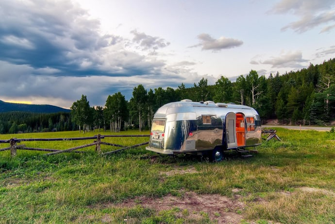 Airstream-Flying-Cloud-Travel-Trailer-designrulz (25)